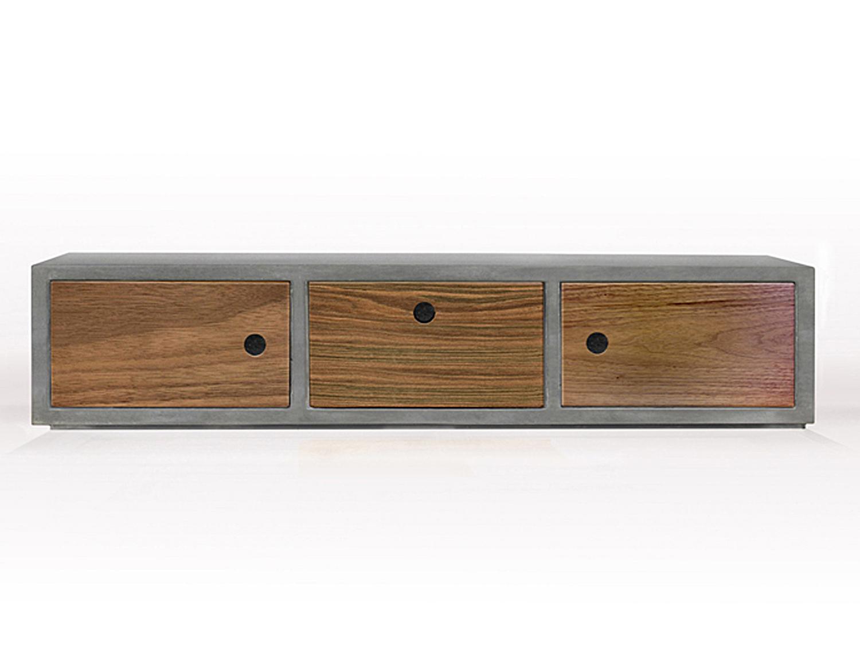 Beton-Design als Betonregal mit drei Holzschubkästen